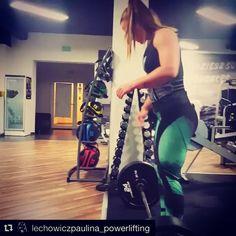 Przedostatni ciężki trening 160kg martwego 🏋 naszej #gothicpharmgirl @lechowiczpaulina_powerlifting na 8 dni przed zawodami. Jest moc 💪 będzie 🏆 Jak widzicie legginsy z naszej najnowszej kolekcji sprawdzają się nawet podczas tak ekstremalnych treningów 😄😎 Chcecie zobaczyć więcej 😉 Zapraszamy na stronę 👇www.gothicpharm.com  #gothicpharm #deadlift #powerlift #powerliftinglife #powerpolish #polishgirl #strongwomen #gym #strong #siła #silownia #trening #motivation #powerliftingmotivation…