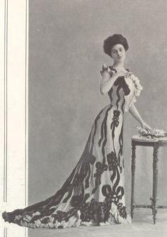 1901, Septembre - Les Modes Paris - Dinner dress by Blanche Lebouvier