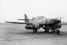 https://flic.kr/p/egAYPK | Aircraft - 1945, Allemagne, Un Messerschmitt Me 262B-1a/U1 aux mains des américains et équipé d'un radar FuG-218 Neptun