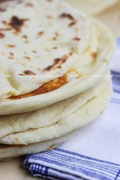 Breads 193654852714986116 - Learn the basics of making Homemade Naan, an easy & fluffy skillet bread that goes perfectly with Indian dishes or can be used to make pizza. Nann Bread Recipe, Indian Naan Bread Recipe, Naan Bread Recipe Easy, Make Naan Bread, Homemade Naan Bread, Bread Recipe Video, Recipes With Naan Bread, Quick And Easy Flatbread Recipe, Homemade Chapati