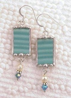 vintage Fiesta ware jewelry by Dishfunctional Designs ~ Love this! If you break your favorite dish you can still enjoy it as jewelry.