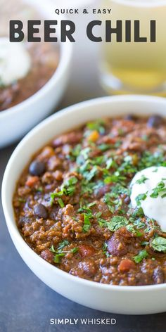 This is the best, spicy beer chili recipe. It's perfect for game day and made with beef and tomatoes, beans and dark beer or stout. #chili #dairyfree Best Chili Recipe, Chilli Recipes, Beer Recipes, Gourmet Recipes, Cooking Recipes, Chili Recipe With Beer, Snacks Under 100 Calories, Healthy Sweet Snacks, Kitchens