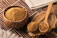 Coconut sugar is most nutritious than white sugar. It is most sustainable sweetener in the world. Coconut sugar has an extremely low glycemic index at Coconut sugar is high in fiber and iron, low in sodium and cholesterol-free. Stevia, Raw Coconut, Coconut Sugar, Coconut Bowl, Healthy Alternatives, Healthy Options, Bad Sugar, Raw Food Recipes, Healthy Recipes