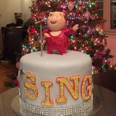 """Sing"" (the movie) Cake #latestcreation #dzert.nyc #singthemovie #holidayparty2016 #nyc #universalstudios #universalpictures #illuminationstudios @dzertnyc #illuminationentertainment #lesliejones #reesewitherspoon #matthewmcconaughey #jenniferhudson #sethmacfarlane #scarlettjohansson @reesewitherspoon @ladygaga @mia_powers @kpowers.nyc"