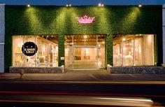 exterior reatil store design  | : Royalt Cafe Exterior Store And Cafe View - Architecture Design ...extremo pero me gusta el pasto y la coronopop arriba
