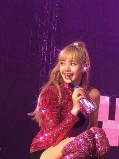 Kpop Girl Groups, Korean Girl Groups, Kpop Girls, Jennie Lisa, Blackpink Lisa, Mona Lisa, Yg Entertainment, Jenny Kim, Rapper