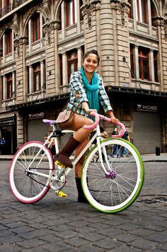 En México las mujeres en bici también son bellas!