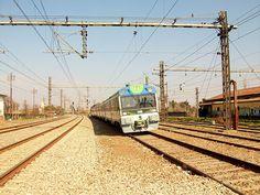 UT-440.108 @ Estación de Rancagua Chile, Third Rail, Electrical Energy, Electric Locomotive, Utility Pole, Trains, Train, Ship, Parking Lot