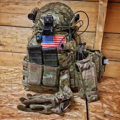 Tactical Life, Tactical Belt, Military Gear, Military Uniforms, Military Army, Plate Carrier Setup, Tactical Solutions, Battle Belt, Tasmanian Tiger