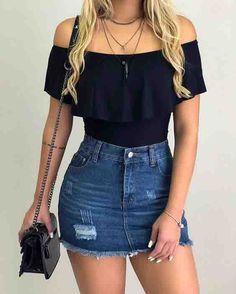 Body preto com saia jeans look outfit looks casuais femininos, roupas legai Teenage Outfits, Teen Fashion Outfits, College Outfits, Fashion Models, Teenager Fashion, Fashion 2016, Denim Fashion, Trendy Fashion, Womens Fashion