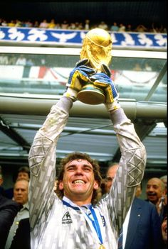 Nery Pumpido, the Argentinian goalkeeper, lifts the 1986 World Cup