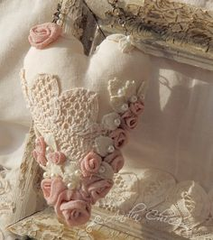 1000 images about hearts on pinterest fabric hearts for Tissu shabby chic