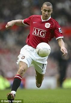 I wished I stayed at Manchester United longer, admits legend Larsson Football Fever, Best Football Team, Football Stuff, Manchester United Legends, Manchester United Players, Fifa, Man Utd Fc, Premier League Champions, Sports Figures