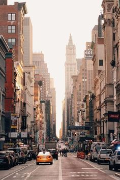 The ultimate eating and sightseeing guide to New York City The eating and sightseeing guide to New York City - Vogue Australia tips tips closet tips for clothes tips for travel New York Wallpaper, City Wallpaper, Manhattan Wallpaper, Travel Wallpaper, City Aesthetic, Travel Aesthetic, New York Tumblr, Photographie New York, Places To Travel