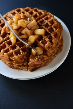 One Bowl Cinnamon Apple Waffles #vegan