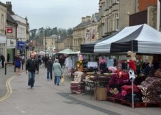Chippenham market drawing the crowds in