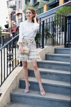 Finally a new outfit post for you guys over on #theprofessionalcinderella.com. 👍🏼 Link in bio ⬆️. . . #zimmermann #pattern #mix #match #polkadots #floral #wiw #ootd #fashion #blog #blogger #fashionblogger #love #instafashion #streetstyle #stylish #fashionista #