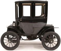 1912 Baker Electric - An elegant, modest coupé by the American marque Baker… Triumph Motorcycles, Cars And Motorcycles, Vintage Cars, Antique Cars, Electric Transportation, Ducati, Motocross, Mopar, Automobile