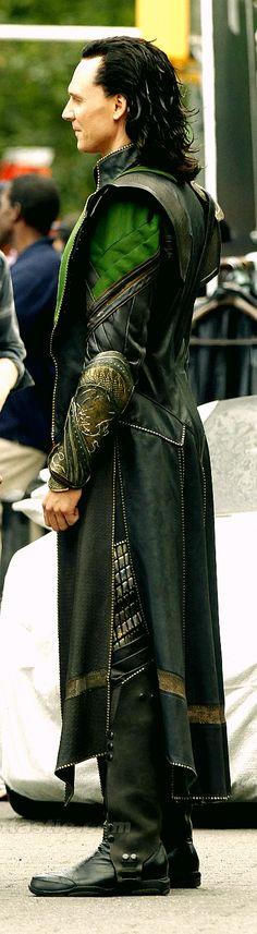 Tom Hiddleston on the set of The Avengers (2011). Full size: http://imgbox.com/c8GfATox