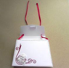 Pretty Papers - přáníčka, scrapbook, tvoření z papíru...: DIY tutoriál... Maminkám k svátku Christmas Ornaments, Holiday Decor, Christmas Jewelry, Christmas Decorations, Christmas Decor
