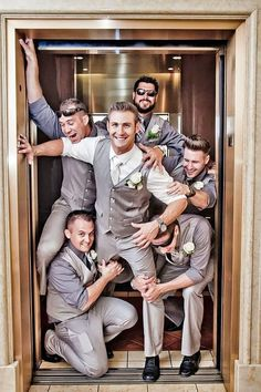 Funny Wedding Photos groomsmen wedding photos 13 - You already got a list of must have photos with your bridesmaids. It's only fair we gathered a similar gallery of awesome groomsmen photos you can't miss! Funny Groomsmen Photos, Groomsmen Wedding Photos, Groomsmen Poses, Groom And Groomsmen, Country Groomsmen, Groomsman Attire, Groom Attire, Funny Wedding Speeches, Funny Wedding Photos