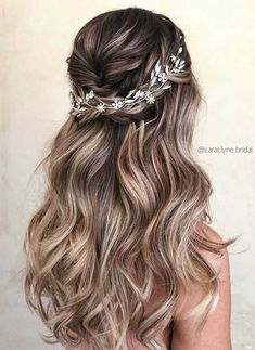 45 Half Up Half Down Wedding Hairstyles Ideas - 30 Wedding Hair Half Up Ideas ♥️ We collected the best wedding hairstyles half up half down that will never go out of style. This bridal hair i. Messy Wedding Hair, Wedding Hair And Makeup, Wedding Hair Accessories, Half Up Wedding Hair, Half Up Half Down Wedding Hair, Bridesmaid Hairstyles Half Up Half Down, Bridesmaid Hair Half Up Long, Box Braids Hairstyles, Down Hairstyles