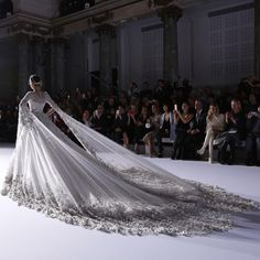 Ralph and Russo Bridal Dress 2016 Ralph Et Russo, Bridal Gowns, Wedding Gowns, Beautiful Gowns, Dream Dress, Pretty Dresses, Evening Gowns, Catwalk, Ball Gowns