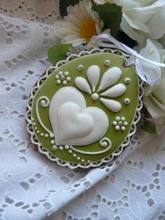 Sugar Cookies With Royal Icing Folk Art Decoration. No Egg Cookies, Galletas Cookies, Fancy Cookies, Valentine Cookies, Iced Cookies, Cute Cookies, Easter Cookies, Cupcake Cookies, Sugar Cookies