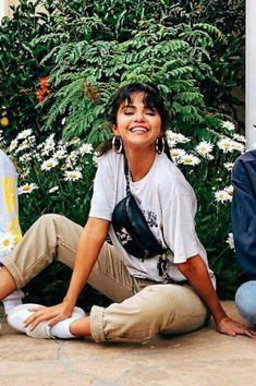 #New Selena Gomez Photoshoot, Selena Gomez Hair, Selena Gomez Outfits, Selena Gomez Wallpaper, Queen Of Everything, Marie Gomez, Powerful Women, Girl Pictures, Celebrity Style