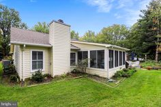 938 Mastline Dr Annapolis MD 21401 Cozy Fireplace, Stainless Appliances, Spacious Living Room, Atrium, View Photos, Great Rooms, Open House, Entrance, Architecture Design