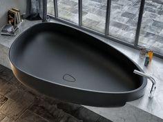 Vasca da bagno in Pietraluce® BEYOND Collezione Home Wellness by Glass 1989 | design Claudia Danelon, Federico Meroni