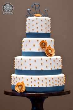 Gator Wedding Cake- I like this, but with different purples..