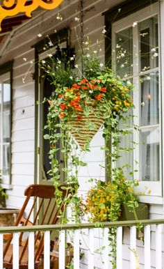 Pretty Porch Ideas from Ile d'Orleans in Quebec, Canada