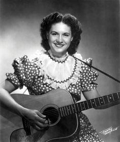 KITTY WELLS /ELLEN MURIEL DEASON (August 30, 1919 – July 16, 2012), known professionally as KITTY WELLS, was an American pioneering femalecountry music singer.