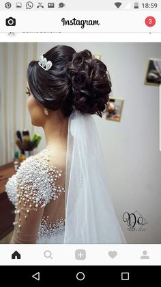 The back is pretty but the veil has to be on top in the hole