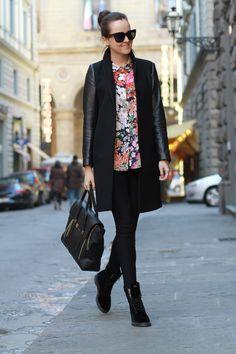 floral top, skinnies, purse, boots, jacket, sunglasses, black, fashion