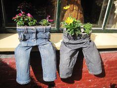 Van Kinderbroekjes met  textiel verharder, plantenbakjes  gemaakt