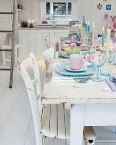 Pastel dish ware with a chic look! :)