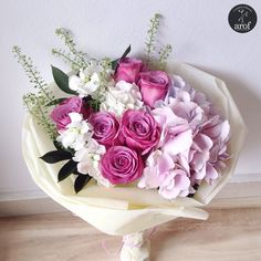 Gift Bouquet, Bouquet Wrap, Hand Tied Bouquet, How To Wrap Flowers, Flowers For You, Love Flowers, Flower Boquet, My Flower, Romantic Flowers