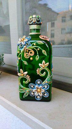 Botellas con bordados