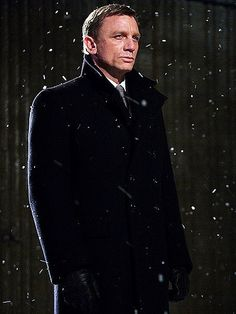 Skyfall - James Bond 007 is one of my favorite movie characters, and Daniel Craig has been great in the role Daniel Craig James Bond, Daniel Craig Style, Craig Bond, Rachel Weisz, Estilo James Bond, James Bond Style, Skyfall, Casino Royale, Service Secret