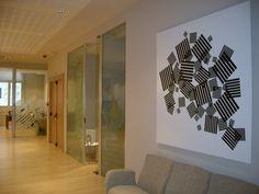 Ideas de #Oficina, estilo #Contemporaneo color  #Beige,  #Marron,  #Blanco,  #Negro, diseñado por Deco interiorismo  #CajonDeIdeas