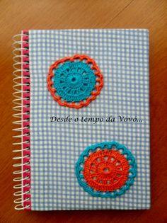 Resultado de imagem para capa de caderno com croche