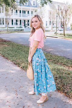 Skirts for Spring Skirts for Spring // Spring Style Style Outfits, Casual Skirt Outfits, Girly Outfits, Cute Outfits, Fashion Outfits, Floral Dress Outfits, Emo Fashion, Korean Fashion, Fashion Tips