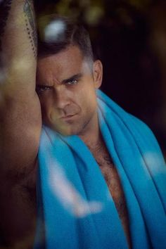 He makes me smile! Robbie Williams Take That, The Power Of Music, Hairy Men, Man Crush, Sexy Men, Hot Men, Boy Bands, Hot Guys, Actors