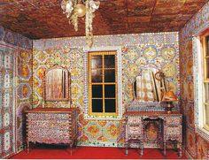 living space of the original rhinestone cowboy--Loy Bowlin