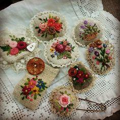 #Embroidery#stitch#needlework#buroch #프랑스자수#일산프랑스자수#자수#자수브로치#자수타그램#자수소품#핸드매이드 #린넨실로 레이스를 떠주니,러블리하면서도 빈티지한 느낌이~~