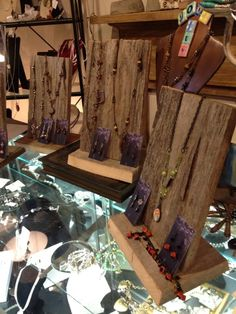 Displays for consigned pieces (Customer Design) - Lima Beads