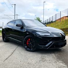 A couple shots of this Lamborghini Urus so you can see every angle. Exotic Sports Cars, Exotic Cars, My Dream Car, Dream Cars, Lamborghini Convertible, Bmw M Power, Couple Shots, Car Goals, Custom Wheels