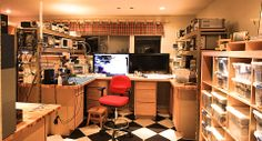 Now this is a electronics technicians dream lab. Be sure to follow the link to more pictures...
